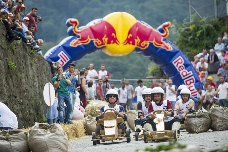 Tahta otomobillerin yarıştığı Red Bull Formulaz yarın Rize'de
